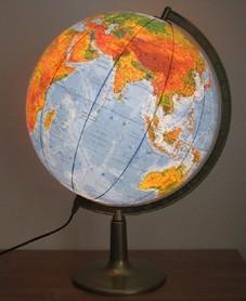 Globus 420 polityczno-fizyczny podświetlany plastikowa stopka GŁOWALA 8016