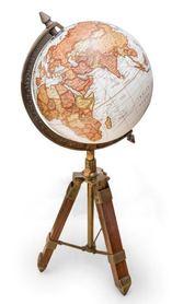 Globus Vasco da Gama na trójnogu