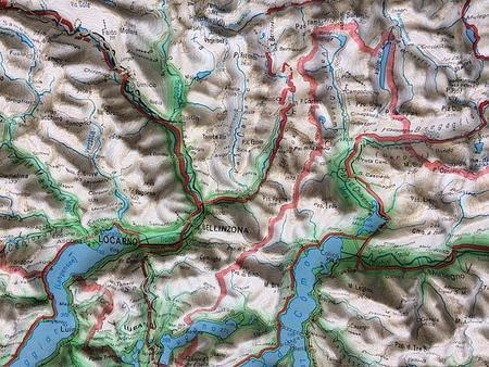 SZWAJCARIA mapa plastyczna 82 x 68 cm KUMMERLY+FREY bez ramy (3)