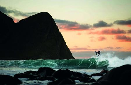 Epic Surf Breaks of the World LONELY PLANET 2020 (3)