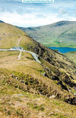 CORK KERRY I PD-ZACH IRLANDIA ROAD TRIPS przewodnik LONELY PLANET 2020 (2)