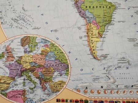 ŚWIAT mapa fizyczno-polityczna laminowana podkładka EKOGRAF 2021 (3)