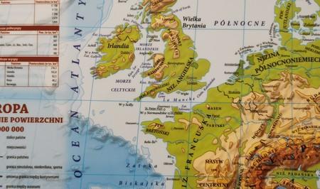 EUROPA podręczna mapa fizyczno-polityczna EKOGRAF (3)
